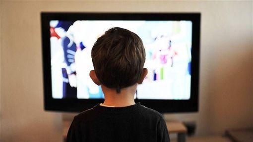 看電視(圖/翻攝自Pixabay)