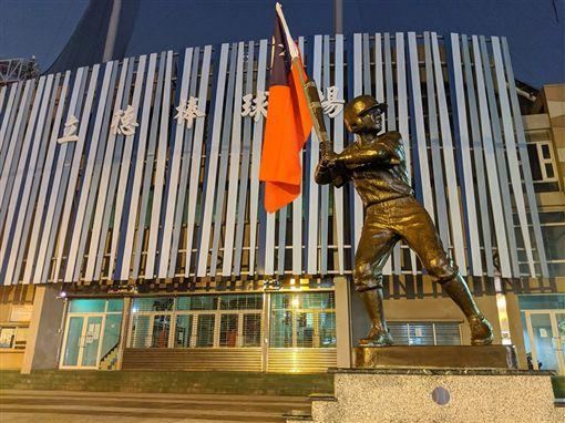 韓國瑜,市府,國旗,立德棒球場,少棒小英雄