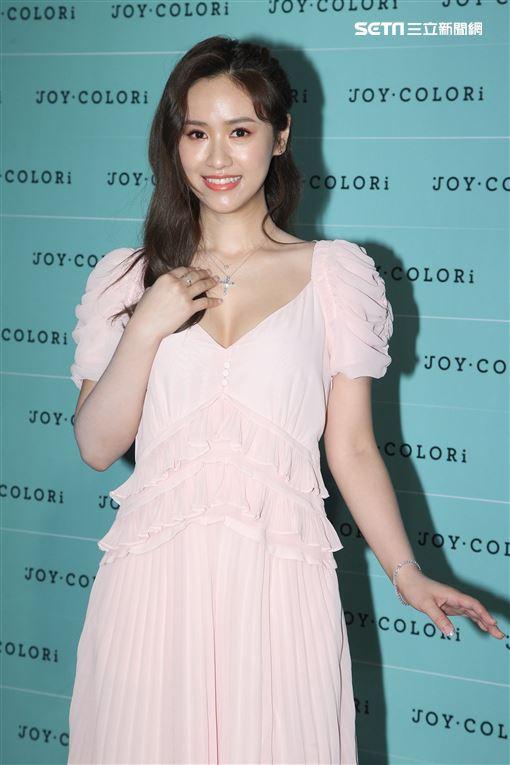 Sandy吳姍儒出席JOY COLORi「未來鑽石」發表會。(記者邱榮吉/攝影)