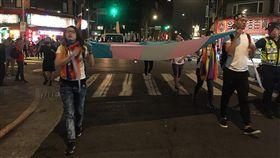 台灣首屆跨性別遊行(1)為了喚起社會大眾對於跨性別者的關注,同婚團體台灣同志諮詢熱線25日在西門町舉辦台灣第一屆跨性別遊行,希望讓民眾聽見台灣跨性別社群的訴求。中央社記者吳欣紜攝  108年10月25日