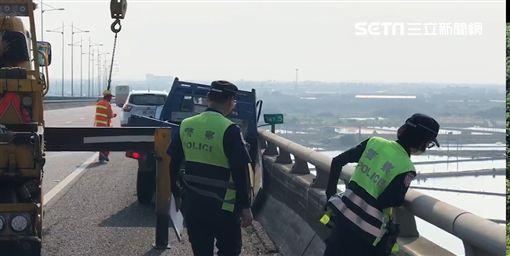 國道3號,斜張橋,小貨車,自撞護欄,死亡,駕駛