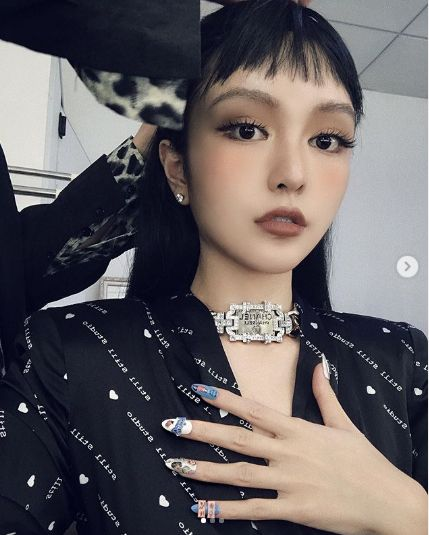 周揚青/IG