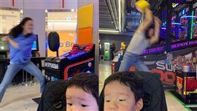 孩子,南韓,媽媽, https://www.facebook.com/DDINGDUCTION/photos/pcb.759800731131951/759800187798672/?type=3&theater
