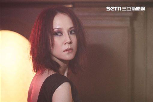 照片提供:亞神音樂 楊乃文《越美麗越看不見》悔過書MV