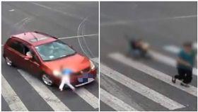 追奶奶過馬路!男童慘被撞飛數公尺 她目睹急棄嬰兒車狂奔(圖/翻攝自梨視頻)