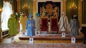 常年替英國女王伊麗莎白二世服務的助理凱利以新書揭露女王衣櫥內的小秘密及許多知名事件幕後花絮。(圖/圖取自維基共享資源;作者:Northern Ireland Office,CC BY 2.0)