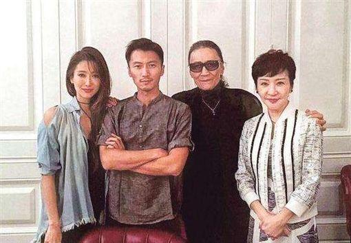 謝賢與狄波拉離婚後仍是朋友,謝霆鋒與謝婷婷。(圖/翻攝自網路)