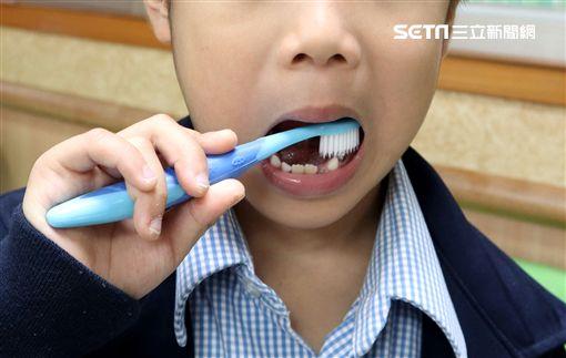 衛生福利部,台北醫院,牙醫,洪素修,齲齒,蛀牙,兒童,刷牙圖/台北醫院提供