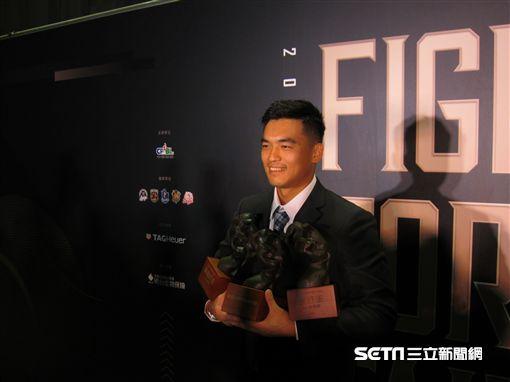▲Lamigo選手朱育賢獲得年度MVP。(圖/記者蕭保祥攝影)