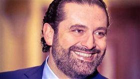 屈服於全國民眾近2週前因不滿執政菁英貪腐情況橫行而發動的史無前例抗爭行動,黎巴嫩總理哈里里29日宣布辭職。(圖取自facebook.com/saadhariri)