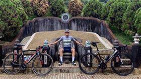 龍椅,墳墓,腳踏車,拍照,景點,外國人,Anthon Charmig