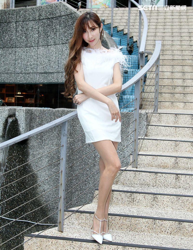 陳若潁三立新聞網專訪。(記者邱榮吉/攝影)