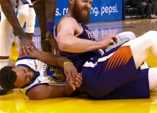 NBA/勇士噩耗!柯瑞驚傳左手骨折NBA,金州勇士,Stephen Curry,骨折翻攝自推特