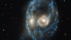 NASA為響應萬聖節氣氛,特別找出今年「銀河食屍鬼」照片