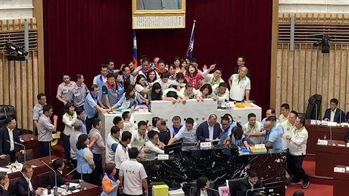 高雄市議會 圖/記者林昱孜攝影