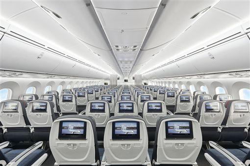 ▲波音787-9可控制艙壓、提高機艙濕度、調節燈光,帶給您美好的空中之旅。(圖/加拿大航空)