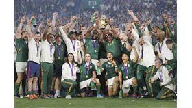 第9屆世界盃橄欖球賽決戰2日登場,南非以32比12擊敗英格蘭,隊史第3度封王。(共同社提供)