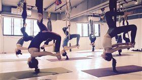 網友表示上瑜珈上到睡著,嘴張開不敢再去。(圖/翻攝自爆怨公社)