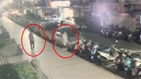 台北市信義區孕婦在臉書上貼文,述說在信義路五段巷弄內,遇到一中年婦女對她潑硫酸,事後查證是水,但也嚇得她奔跑時摔倒,她懷有身孕。(圖/記者楊佩琪翻攝)