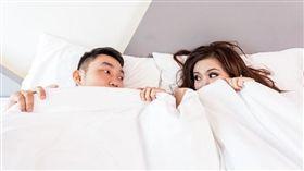 ▲愛愛後女生對男生的身體有許多好奇之處。 (示意圖/翻攝自Pixabay)