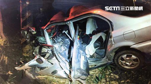 男子酒駕失控撞車 人卡車內慘死