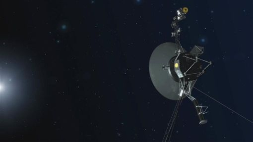 美國國家航空暨太空總署(NASA)先前宣布,旅行家二號2018年11月5日快速進入星際空間,一度接近到距太陽約177億公里之處。圖為旅行家二號概念圖。(圖/翻攝自NASA網頁nasa.gov)