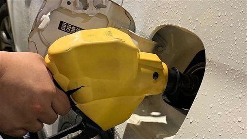由於市場對美中貿易談判感到樂觀,使原油需求展望改善,國際油價5日上揚超過1%。(中央社檔案照片)
