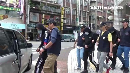 台北市李姓男子夥同黃、林2名友人,將馬來西亞籍朱姓女子洗劫一空,再丟包在陽明山區(翻攝畫面)