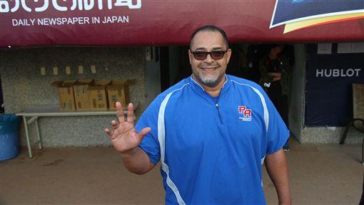波多黎各投手教練Julio Valera曾在1999年效力中華職棒統一獅。(圖/記者黃泓哲/攝)