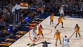 NBA/西門肩傷離場!明將重新評估 NBA,費城七六人,Ben Simmons,肩膀 翻攝自推特