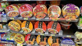 滿漢大餐,泡麵,記者劉沛妘攝