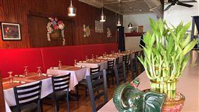 美國,泰國餐廳,天花板,滴水,男屍(圖/翻攝自Siam Corner Thai Kitchen Windsor臉書)