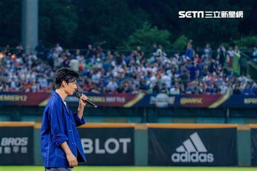 2萬名球迷見證!創作才子黃奕儒熱唱《鬥陣》為中華隊應援 新聞提供:相映國際