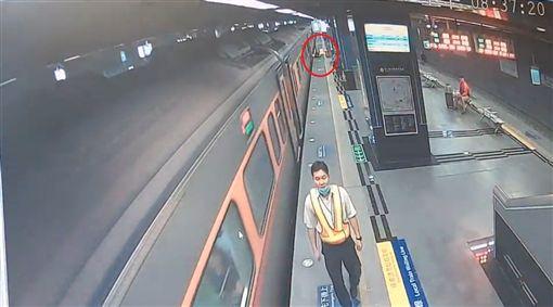 台鐵,鳳山,列車,自強號,摔