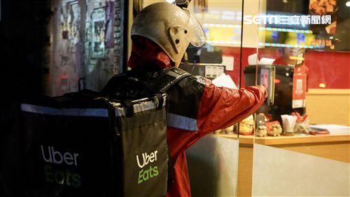 uber eat,美食外送員,黑手兼職養家(記者郭奕均攝影)