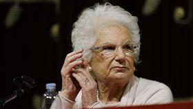 (納粹大屠殺倖存阿嬤「反仇恨」 每日反接獲200次威脅) 羅馬,納粹,大屠殺,猶太人 (圖/美聯社/達志影像) 猶太裔的席格瑞(Liliana Segre)