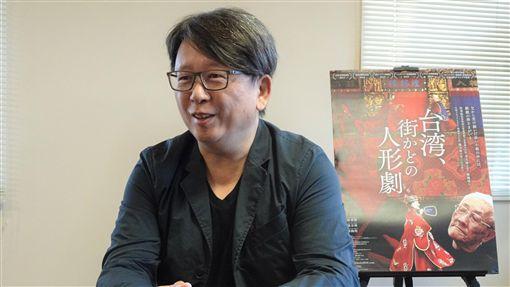 布袋戲大師陳錫煌紀錄片導演楊力州以布袋戲大師為主角的紀錄片「紅盒子」11月底將在日本全國戲院陸續上映,8日晚間在東京首映,感動日本觀眾。圖為導演楊力州接受媒體專訪。中央社記者楊明珠東京攝 108年11月9日