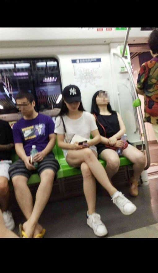 地鐵,下面空的,內褲,大陸,正妹