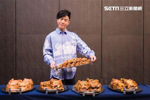 亞洲唱作天王韋禮安慶功宴收100隻大閘蟹 期許「而立」世界巡迴演唱會場場完售 橫著走 (新聞提供:IMC)