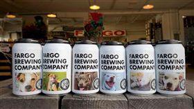 美國酒廠將狗照印罐上 原因引網大讚(圖/翻攝自Fargo Brewing Company臉書)