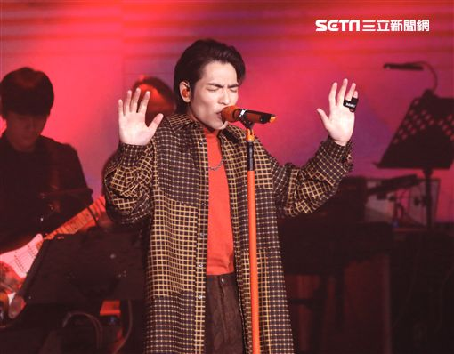 金曲歌王蕭敬騰受邀出席「雙11PChome來了演唱會」演唱會 記者林聖凱攝影