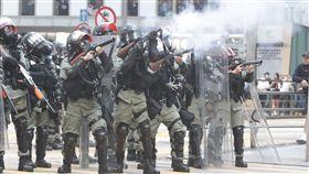 香港反送中三罷 警再施放催淚彈(1)11日下午1時30分左右,警方再度在畢打街釋放催淚彈。中央社記者張謙香港攝 108年11月11日