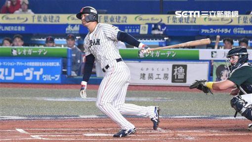▲12強日本隊鈴木誠也擊出陽春砲,成為日本棒球史上在國際賽連續3場比賽開轟的最年輕紀錄保持人。(圖/記者王怡翔攝影)