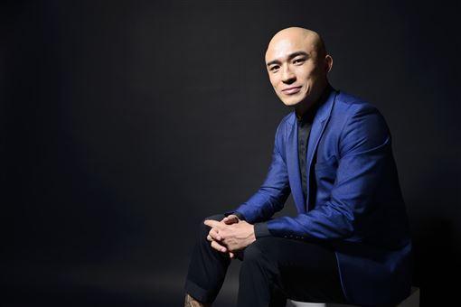 46歲小馬倪子鈞當歌壇資深新人 將於11/22發行出道22年來個人首張專輯!馬米娛樂提供