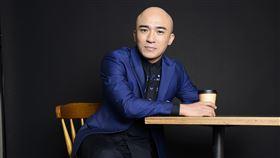 46歲小馬倪子鈞當歌壇資深新人 將於11/22發行出道22年來個人首張專輯! 馬米娛樂提供