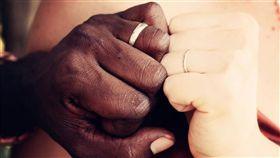 黑人,非洲人,結婚,婚戒(圖/翻攝自pixabay)