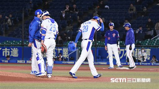 ▲12強韓國隊金廣鉉被打退場。(圖/記者王怡翔攝影)