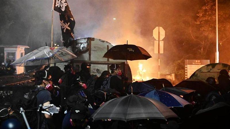 港人反抗/香港仍處危險!教育局:明日全港學校繼續停課