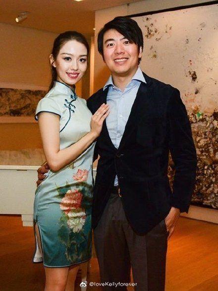 國際知名的鋼琴家郎朗和老婆、25歲「真人芭比」德韓混血才女吉娜愛麗絲(Gina Alice)/旗袍。微博