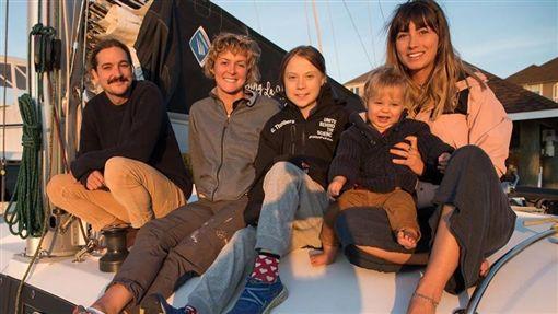 瑞典環保少女桑柏格(左3)12日表示,美國總統川普說了很多極端言論,在某方面社會大眾將因此被喚醒。(圖取自instagram.com/gretathunberg)